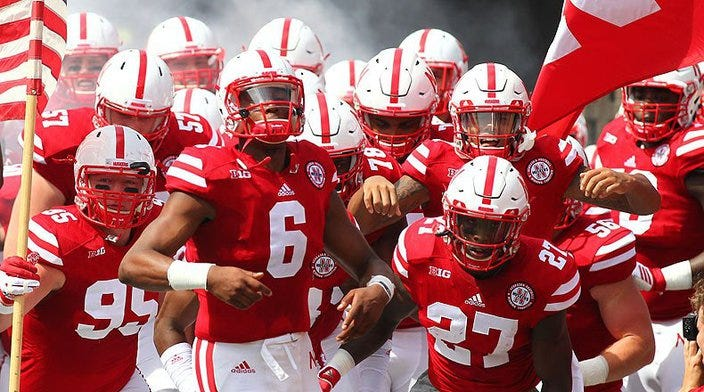 Predict the Huskers 2016 overall record.