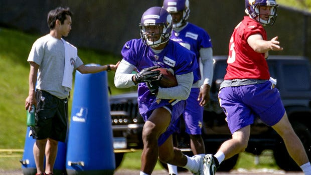 Will Tommy Armstrong succeed as a safety with the Vikings?