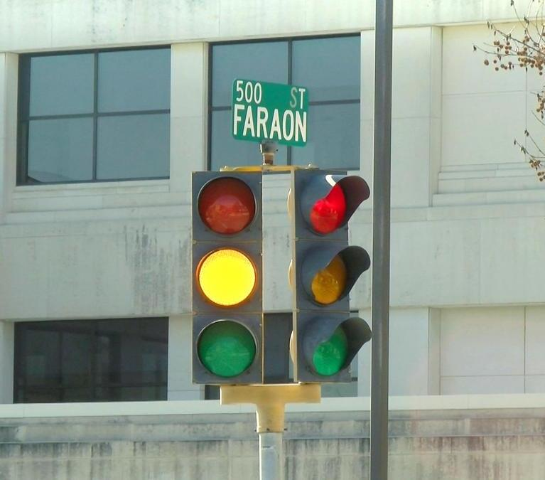 Should the city remove stoplights downtown?