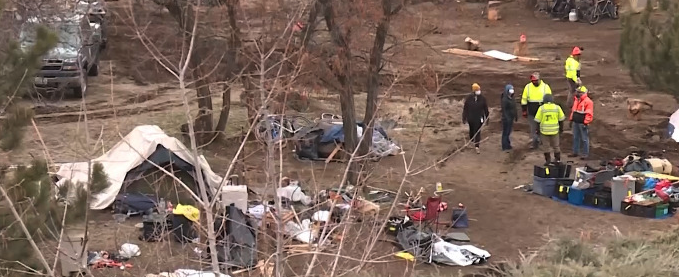 Do you think homeless camps should be permanently removed along the parkway?