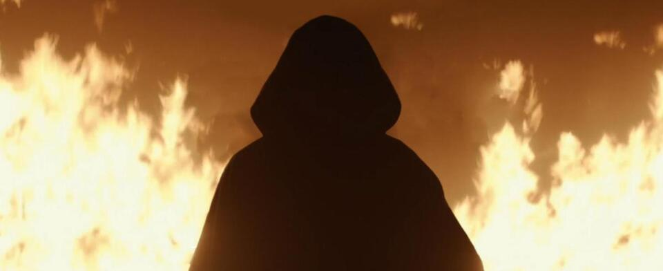 Loki Episode 1: Who do you think the cloaked figure at the end of episode 1 really is?