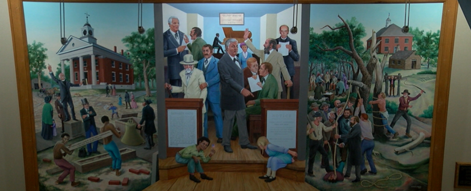 Should murals be removed from the Boone County Courthouse?